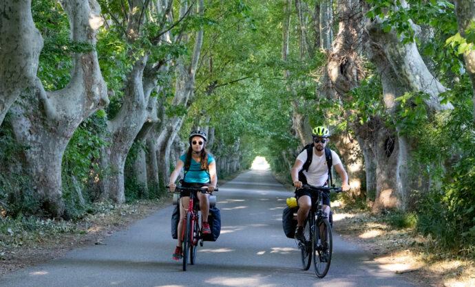 Cyclistes sur la Via Rhona