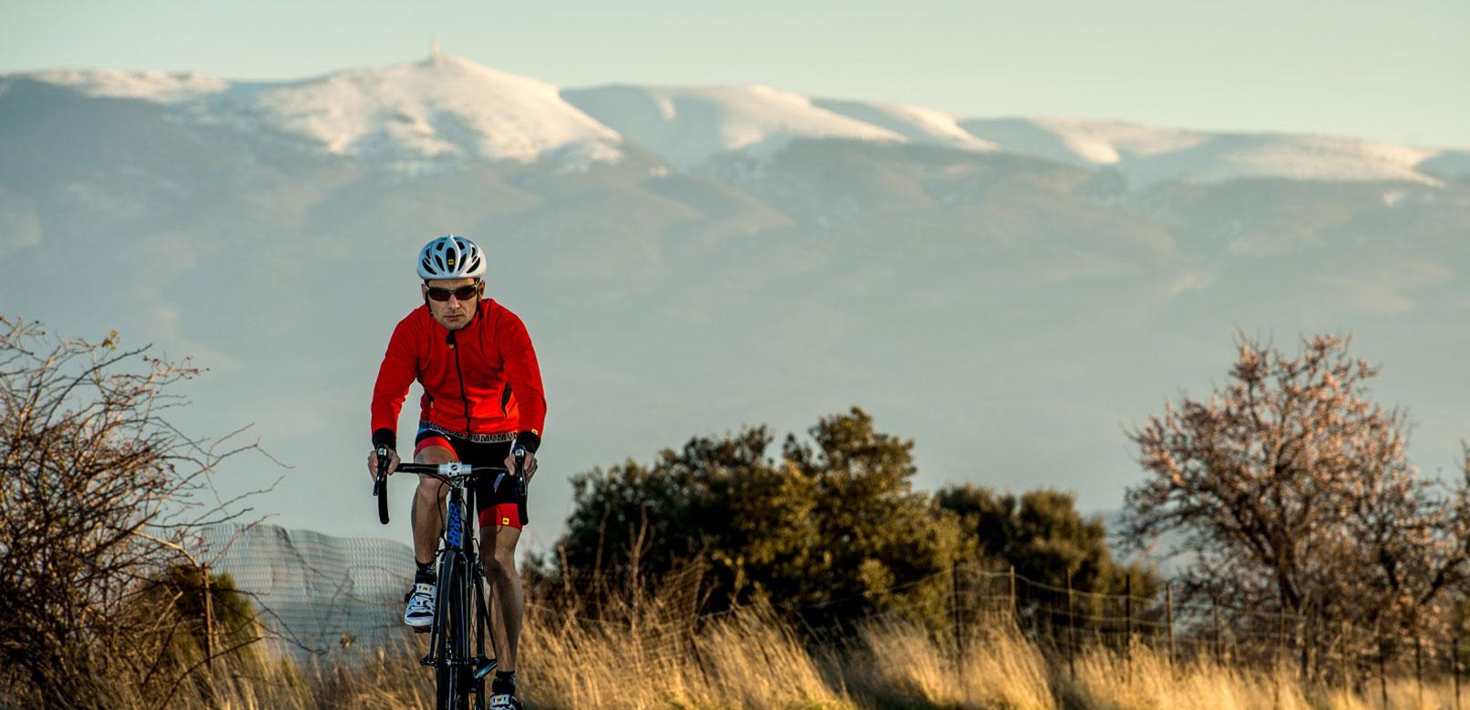 Cycliste au pied du Ventoux © Rosso